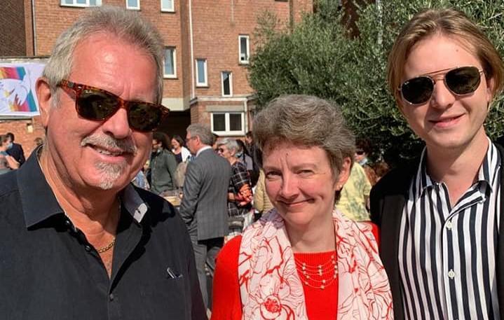 Gilbert Verstraelen, Sonja De Meyer en Jari French tijdens de feestelijke opening van Tutti in Merksem © Facebook