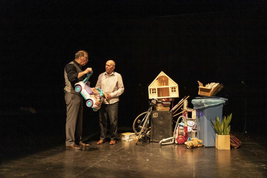 In 'De Loteling' maken acteurs van Het Bataljong theater met mensen met jongdementie. © Kathleen Gheysen