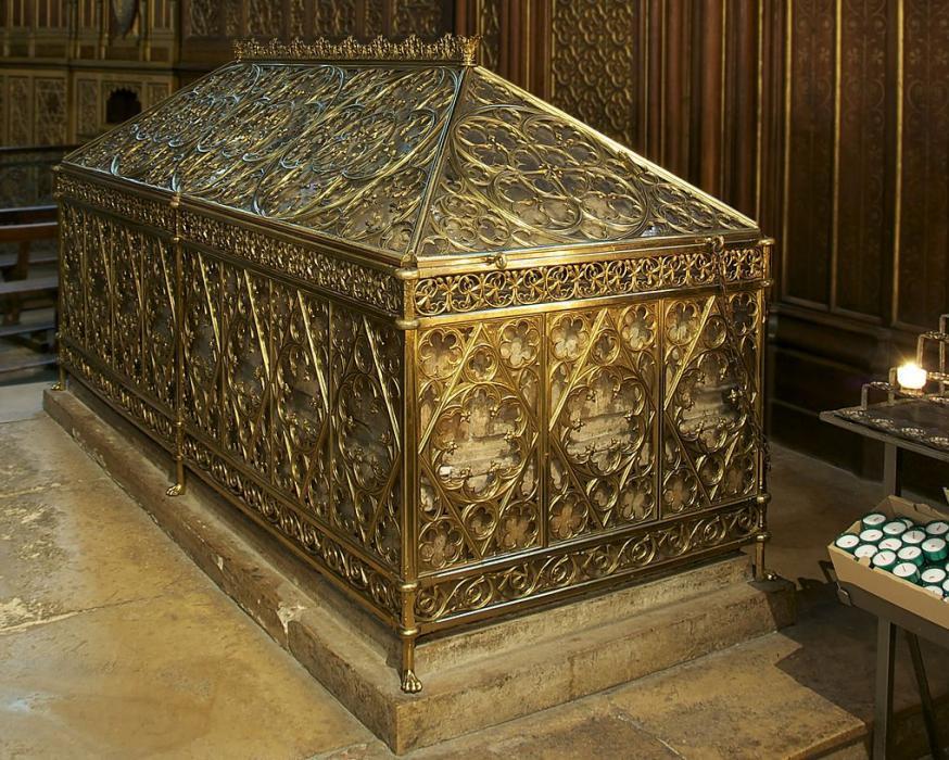 De sarcofaag van de patrones van Parijs © Wikipedia