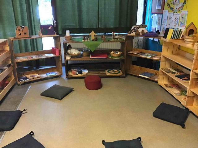 Godly Play ruimte in een klas in basisschool Het Kompas in Sint-Gillis-Waas © Anne Van Overloop