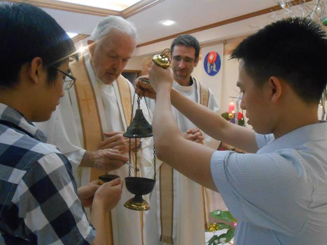Laat mijn gebed, Heer, als wierook opstijgen voor uw aangezicht... - Manila