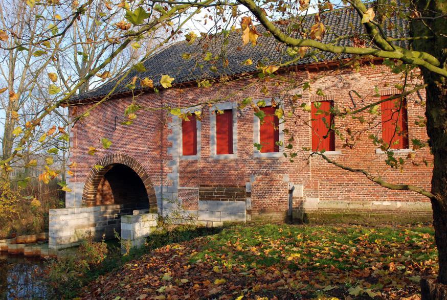 De watermolen van de Herkenrodeabdij in Hasselt zoekt een voltijdse molenaar. © Paul Hermans - WikiCommons CC BY-SA 3.0