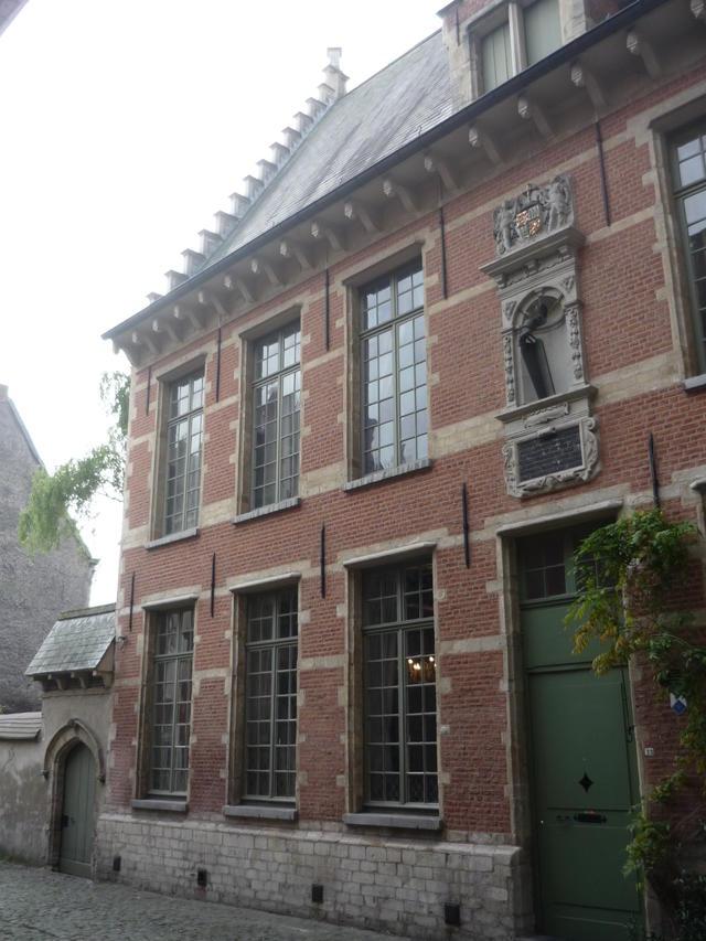 Voor het eerst samenwonen in het Begijnhof van Mechelen, zomer 2013.
