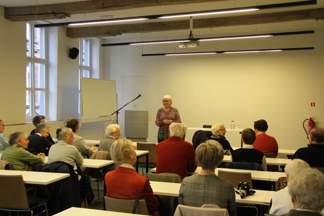 Coördinator Martine Goossens verwelkomt de aanwezigen © Bisdom Gent, foto: Isolde Ruelens