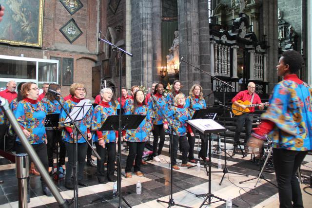 Gospelkoor Amka uit Wetteren © Bisdom Gent, foto: Isolde Ruelens