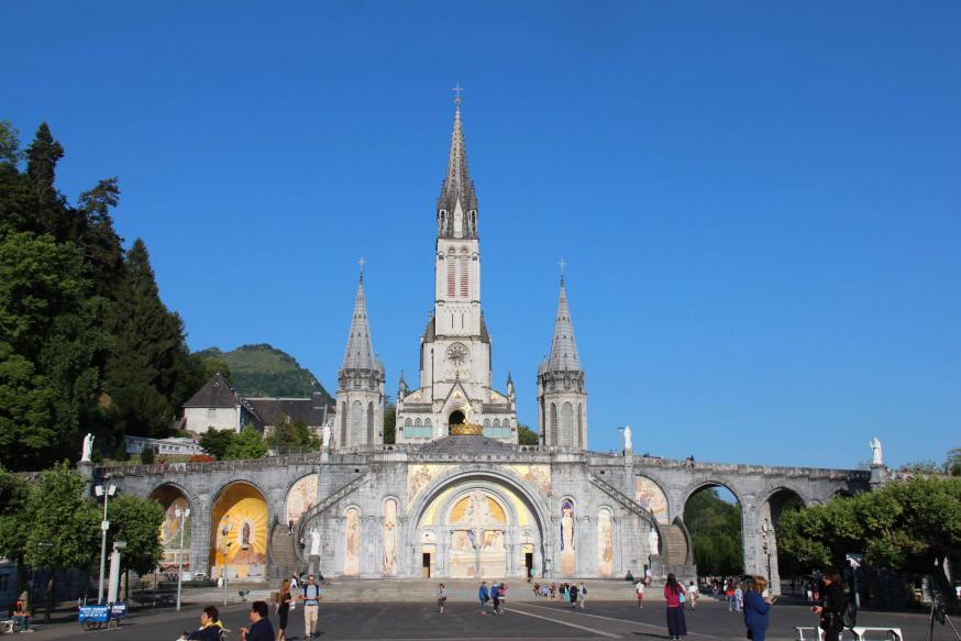 Lourdes basiliek © Bedevaarten Bisdom Gent - Marc Vandersmissen