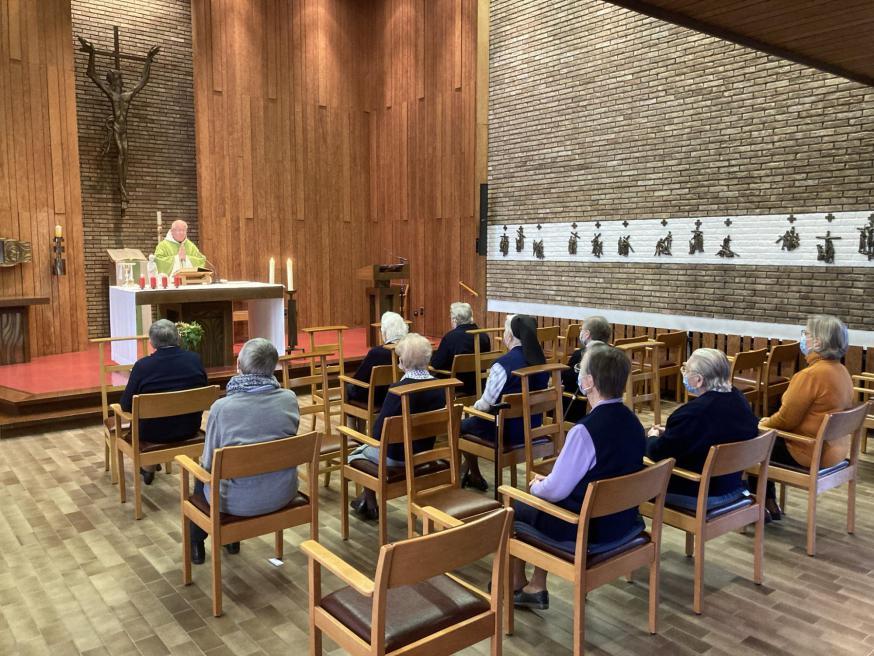 Bisschop bezoekt WZC Sint-Eligius © Zorgsaam