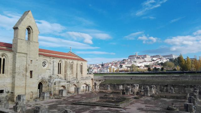 Oude abdij bij Coimbra © IJD Gent