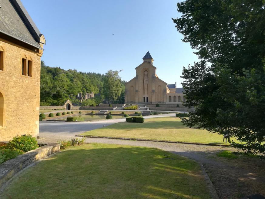 Na slechts enkele uren was ik al verliefd op de prachtige abdij van Orval. © Isabelle Desmidt