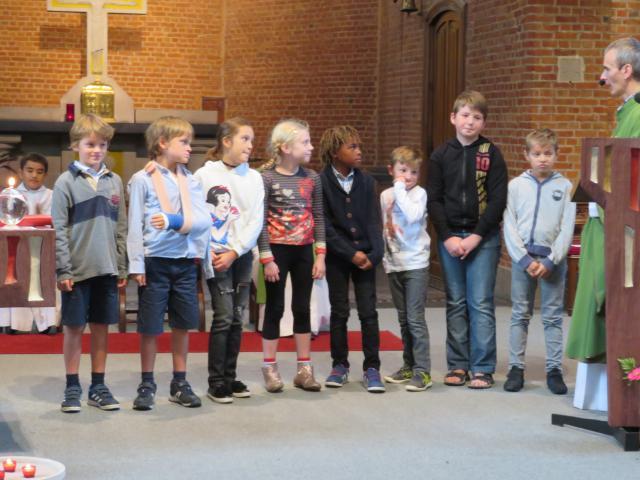 Deze 8 meisjes en jongens willen deel uitmaken van de christengemeenschap © Mariette Dhondt