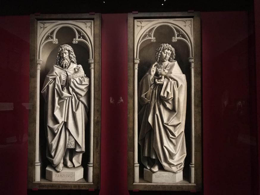Twee Johanessen op de MSK-tentoonstelling © PM