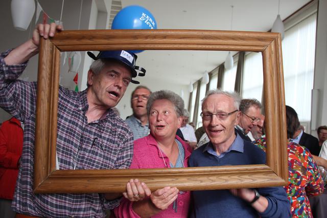 René met lokale medewerkers Kerk & Leven uit het bisdom Brugge. © Liselotte Anckaert