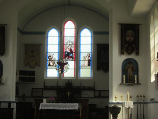 binnenkant kerk van Westrode