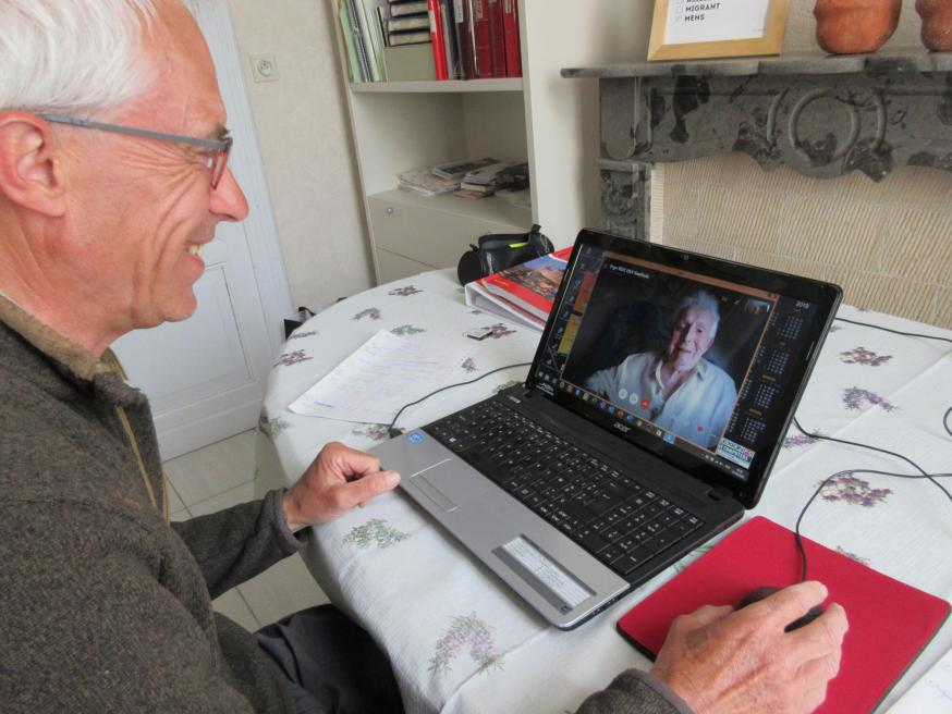 Cyriel gebruikt nog zelf zijn computer om bijvoorbeeld naar zijn familie te videobellen