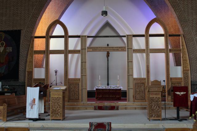 De opbouw van de iconostase © JvR