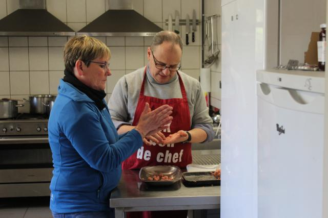 Annick en Wilfried zorgden voor het lekkere eten © JvR