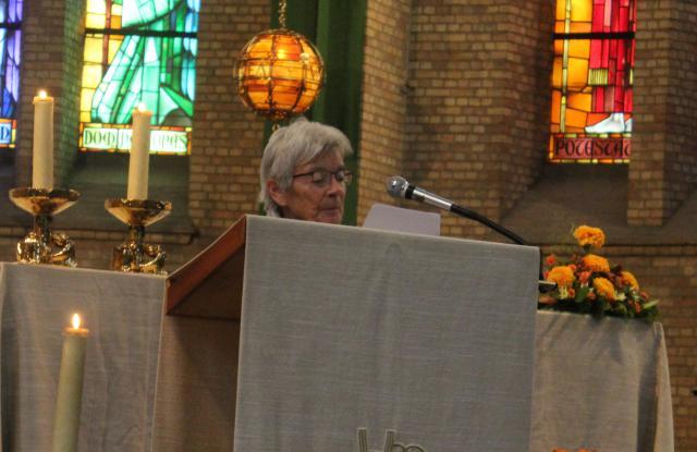 Mia Berckmans leest de voorbede © Jos Van Reusel