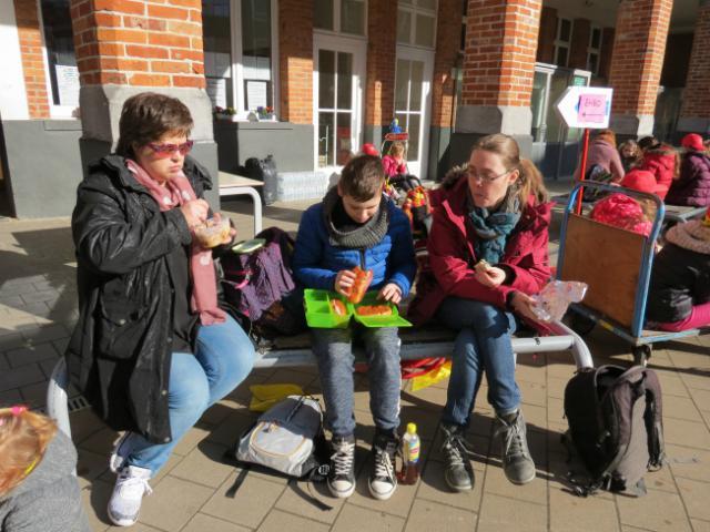 etenstijd © Kerk Stekene en Sint-Gillis-Waas
