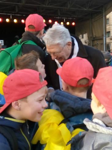 ontmoeting met onze Bisschop Luc van Looy © Kerk Stekene en Sint-Gillis-Waas