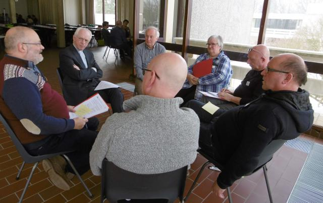 Het Interdiocesaan Pastoraal Beraad debatteerde op zijn driemaandelijkse forum over de eigenheid van de christelijke uitvaart © IPB