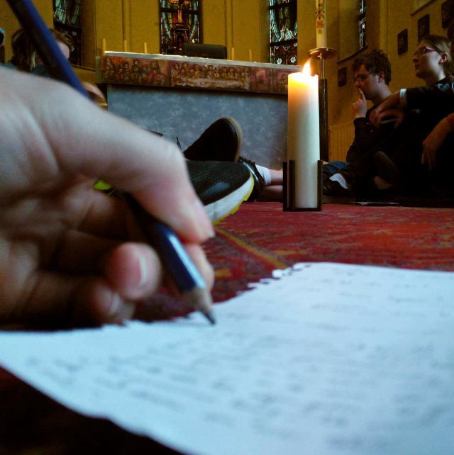 Tijdens het gebedsmoment bezonnen we over de parabel van de talenten. © BVR