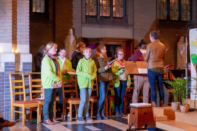 Het Jokri-koor stond in voor de zang (c) Jan J. Holvoet