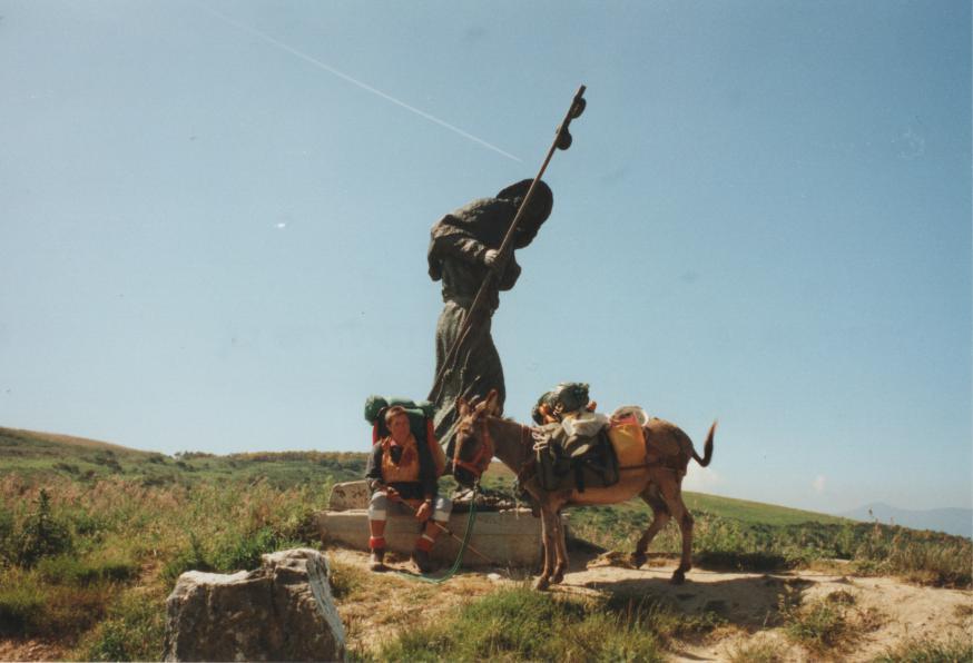 Jenny met haar ezel, onderweg naar Compostela. © Jenny De Jagere