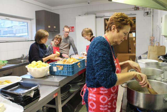 De kookploeg aan het werk © RvH