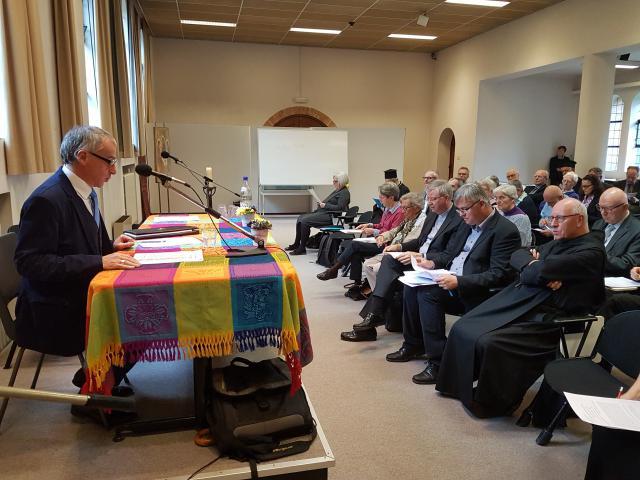 Bruneau Jousselin aan het woord op de ontmoetings- en studiedag van de KNCO in de abdij van Zevenkerken © KNCO