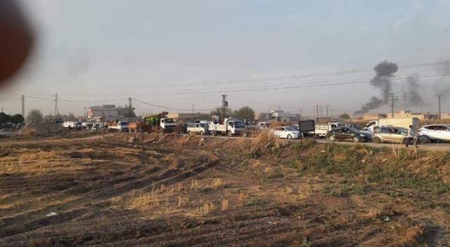 Bewoners van Kamishli schuiven aan om de stad uit te vluchten © ESU
