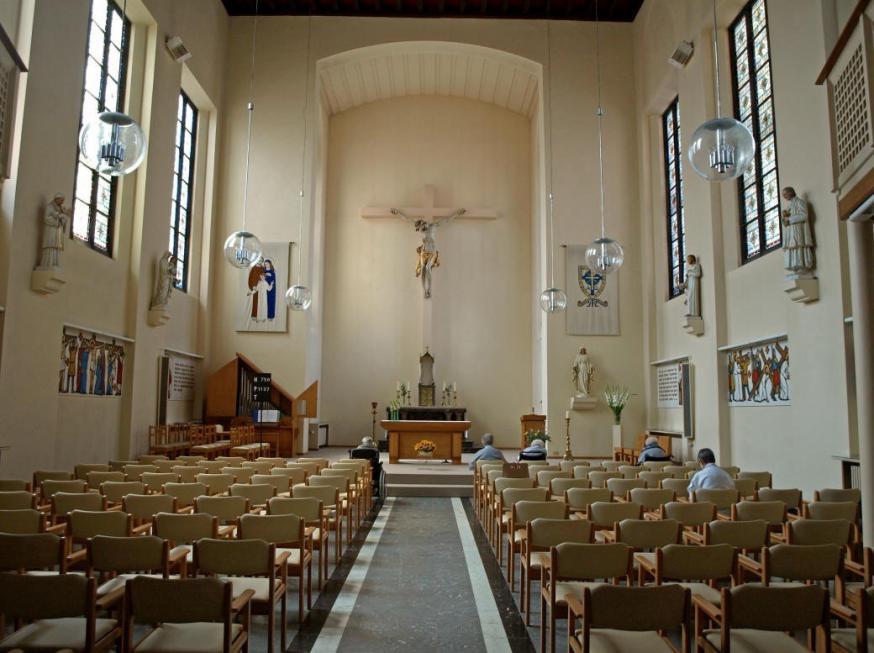De kapel van de Zusters van Liefde in Heule voor de brand