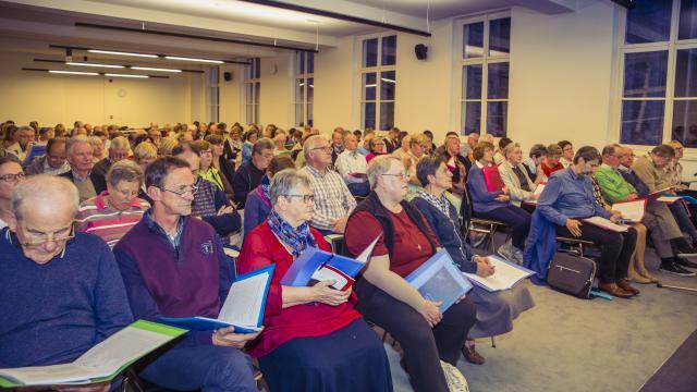 Maar liefst 150 aanwezigen startten hun Bijbeltraject. © Bisdom Gent, foto's: Daina De Saedeleer