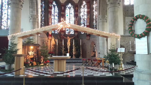 Kerk Diksmuide met Kerst