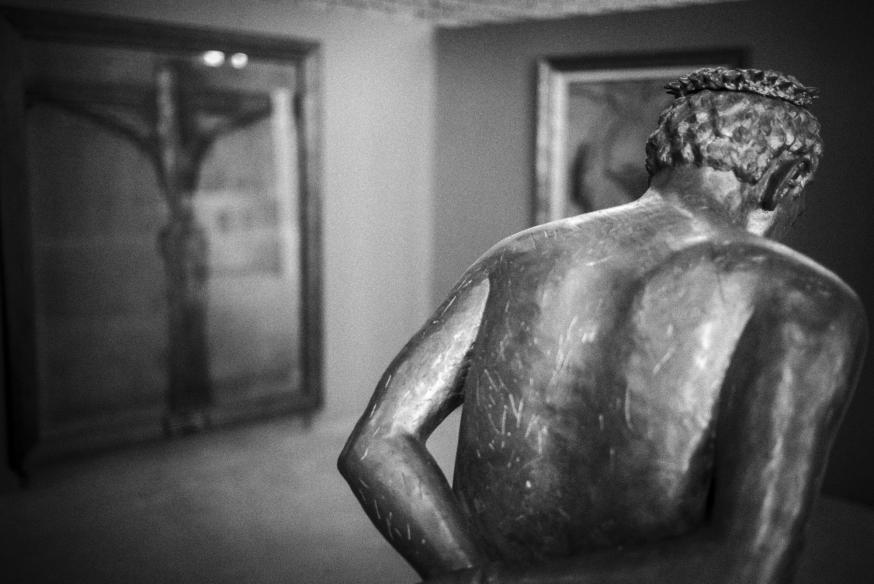 """Het Museum voor moderne religieuze kunst: de geladenheid van het onzichtbare. Beeld van de Nederlandse kunstenaar Erzsébet Baerveldt: """"Ecce homo"""". © Leo De Bock"""