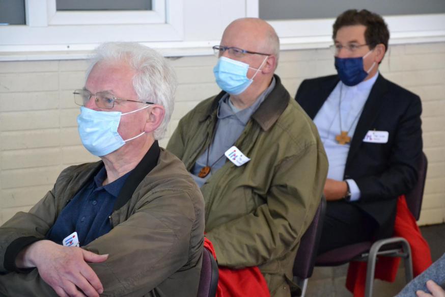 Ook de bisschoppen Lode Van Hecke en Lode Aerts waren erbij in Ledegem © Jeroen Moens