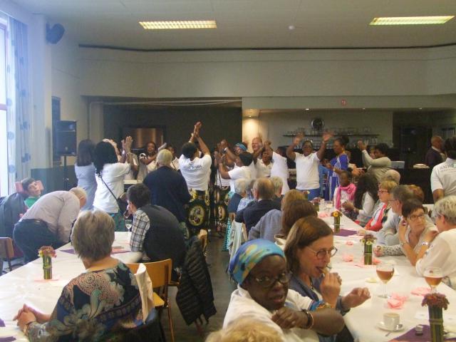 Vrienden van Radio Maria verzorgen maaltijd ten voordele van Radio Maria Kinshasa