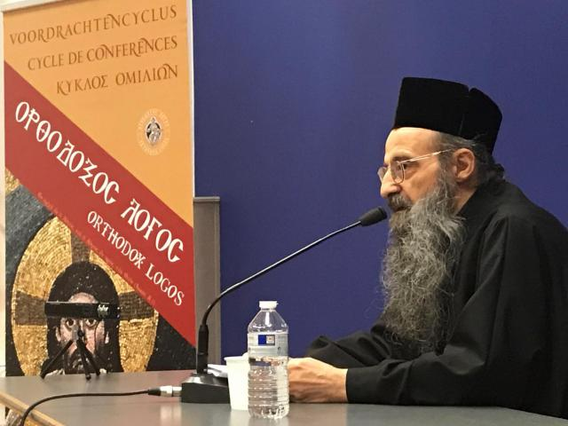 Priestermonnik Makarios van het Simonos Petraklooster tijdens de Orthodox Logosconferentie bij de Brusselse dominicanen © Benoit Lannoo
