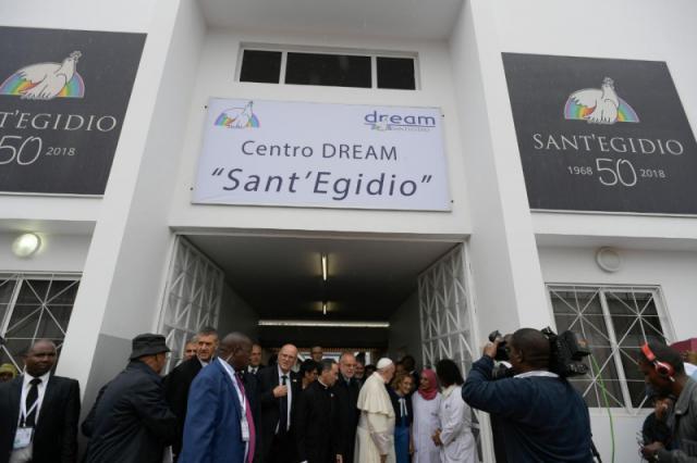 Paus Franciscus bezocht vanmorgen vroeg het Zimpeto Hospital van Sant'Egidio in het noorden van Maputo © VaticanNews