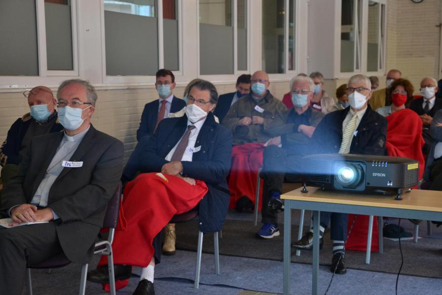 Mgr. Koen Vanhoutte en mgr. Herman Cosijns in het publiek © Jeroen Moens