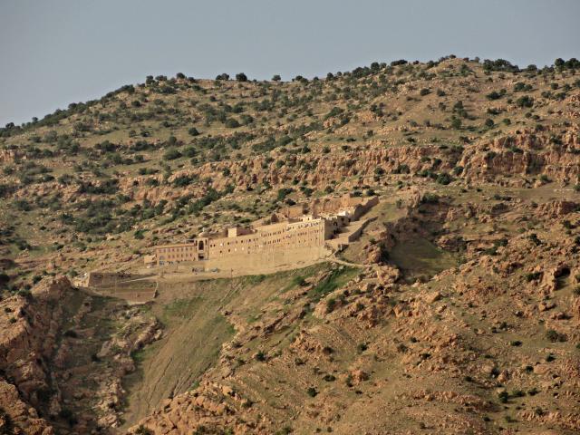 Mar Mattai (Oud-Syrisch voor Sint-Mattheüs) werd in 363 gesticht door een gelijknamige kluizenaar-monnik op de vlucht voor de vervolging door de Romeinse keizer Julianus Apostata © RR