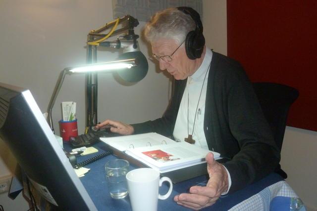 In de studio van Luisterpunt © Bisdom Gent, foto: Eveline Coppin