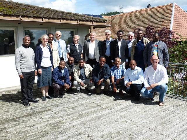 De groep salvatorianen: doctorandi, organisatoren, sprekers... samen 18 paters