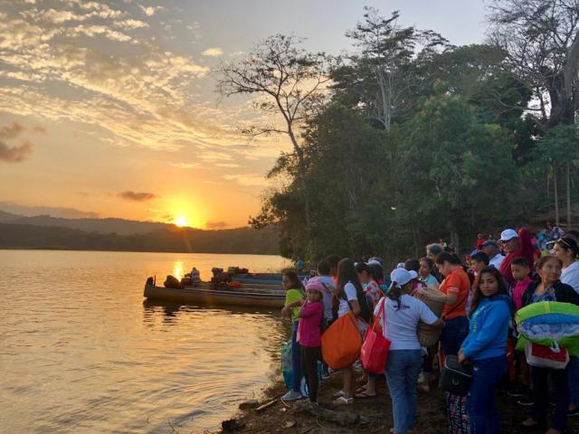 De prachtige omgeving van het Alajuela-meer. © Sien Callebaut