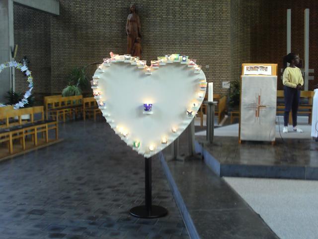 Het hart met alle lichtjes van de eerste communicanten