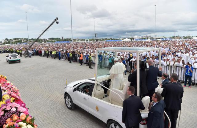 Openluchtmis met de paus in Colombia © SIR