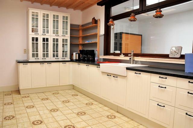 De keuken van het parochiecentrum. © Luc Weemaes