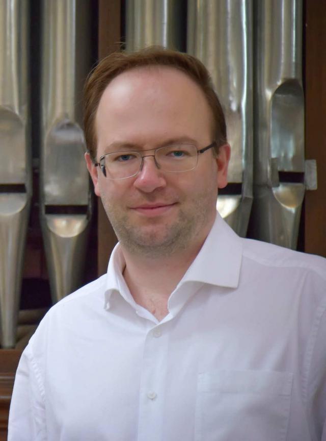 Philippe Moury: gepassioneerd door muziek als organist, als dirigent van Trinitas en als bestuurslid van de Campanae Lovanienses (Klokkenvereniging van Leuven) © Philippe Moury