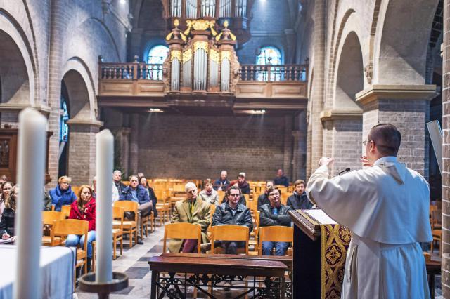 Zondagscatechese in de abdij van Postel © Rudi Van Beek