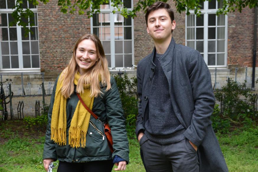 Nel Vandecruys en Ruben Terryn, studenten theologie en religiewetenschappen aan de KU Leuven © Jan Leyers