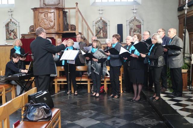 de viering werd opgeluisterd door het koor van Westrode
